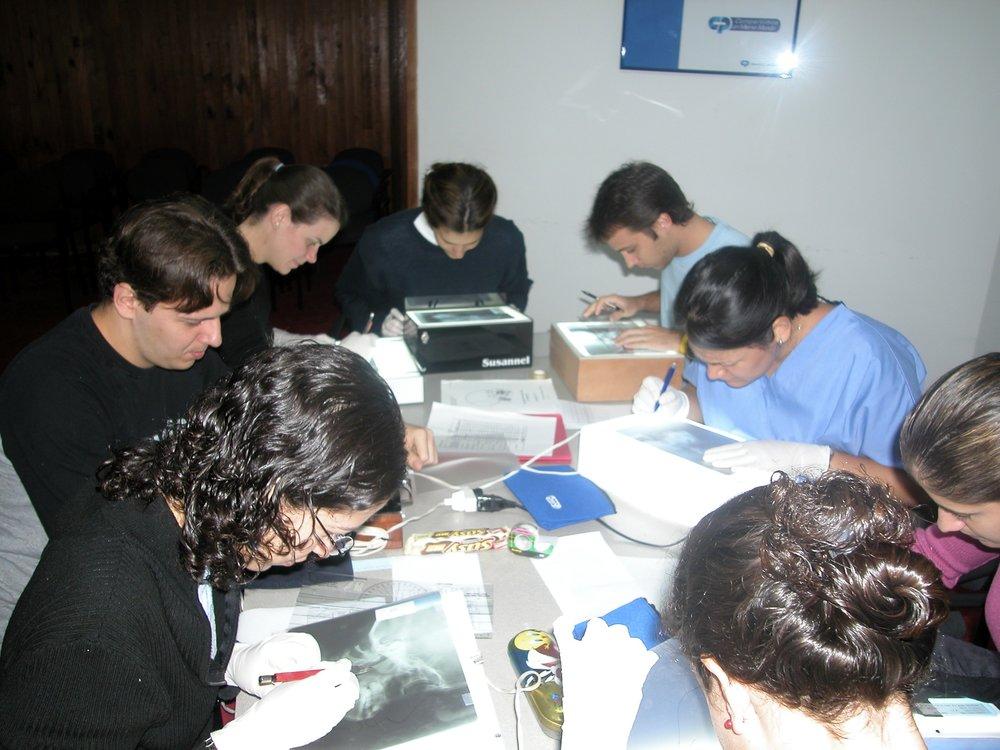 Trazando cefalometrias en el Colegio de Odontologos de Venezuela - 2004