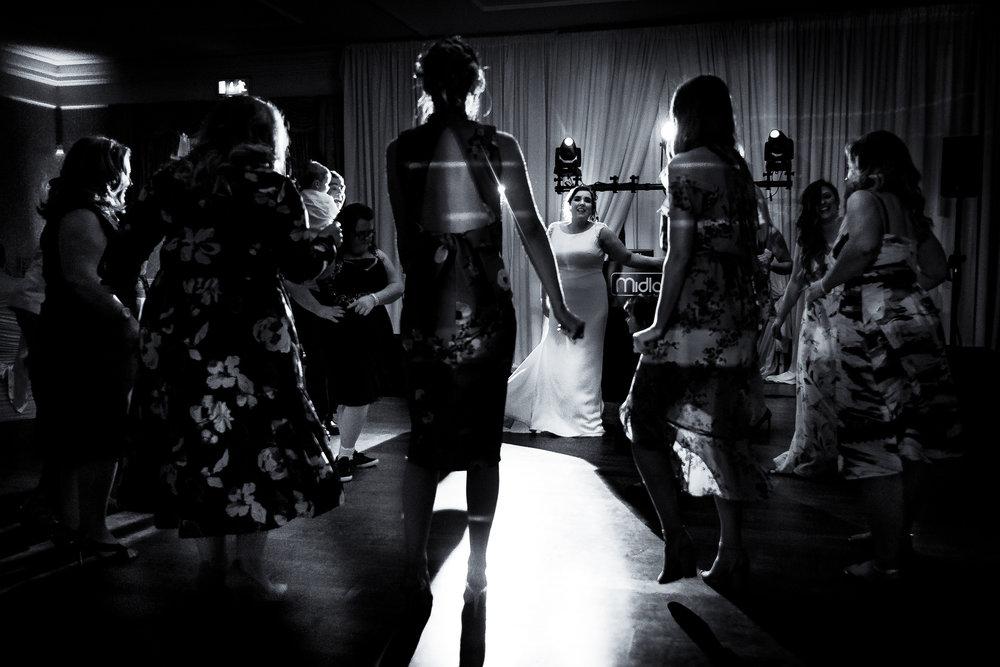 12-dancing_lo-32_29522365878_o.jpg