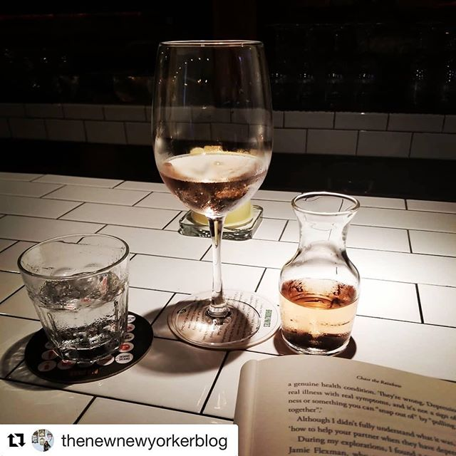 #Repost @thenewnewyorkerblog ・・・ Sunday evening me-time at my favourite spot @decimonyc reading @poornabell's Chase the Rainbow #thisishellskitchen #thisisnewyorkcity . . . #nyc #newyork #newyorkcity #manhattan #hellskitchen #decimo #mylocal #sunday #metime #selfcaresunday #rose #roseallday #wine #vino #hellskitchen #hudsonyards #decimonyc #decimoristobar #winebarnyc