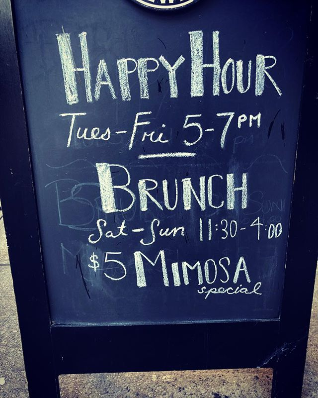 Join us for happy hour! 5-7p 🍷 #decimonyc #happyhournyc #nycwine  #hellskitchen #hudsonyards