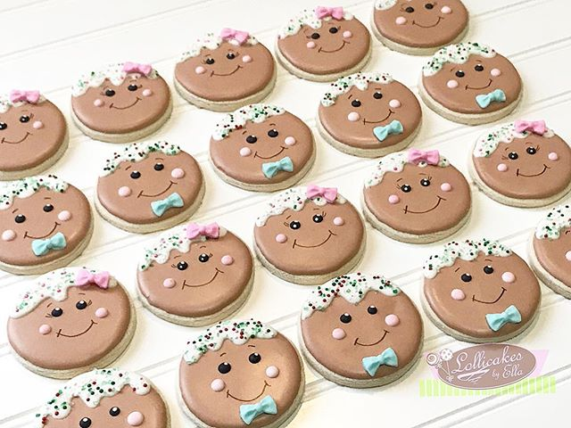 How adorable are these Gingerbread Sugar Cookies for a Christmas Gender Reveal?!? #sugarcookies #gingerbreadcookies #sugarcookiesofinstagram #babyshower #genderreveal #genderrevealcookies #christmascookies