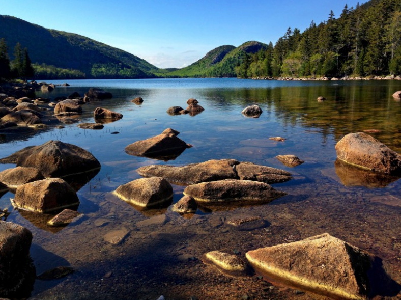 must visit national park in state of maine : acadia national park.