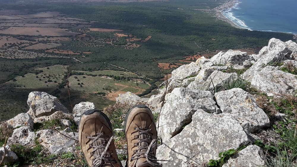 The Best hiking boots to buy : guide by angeloutdoors.com