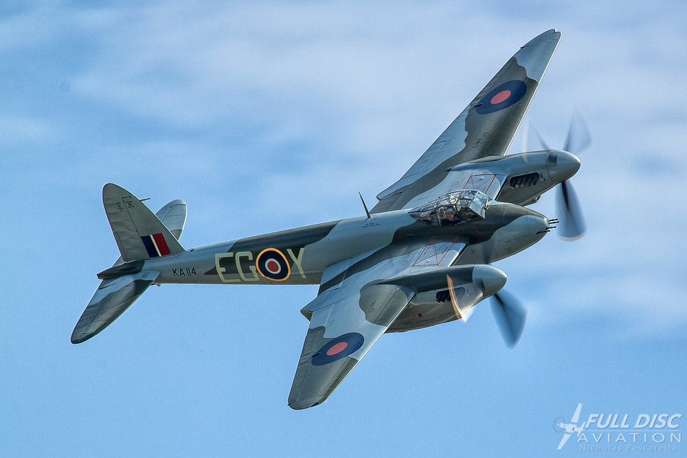 Mossie at WWII Weekend f/14, 1/160, ISO 100, my first airshow in 20 years and first attempt at 'prop art.'