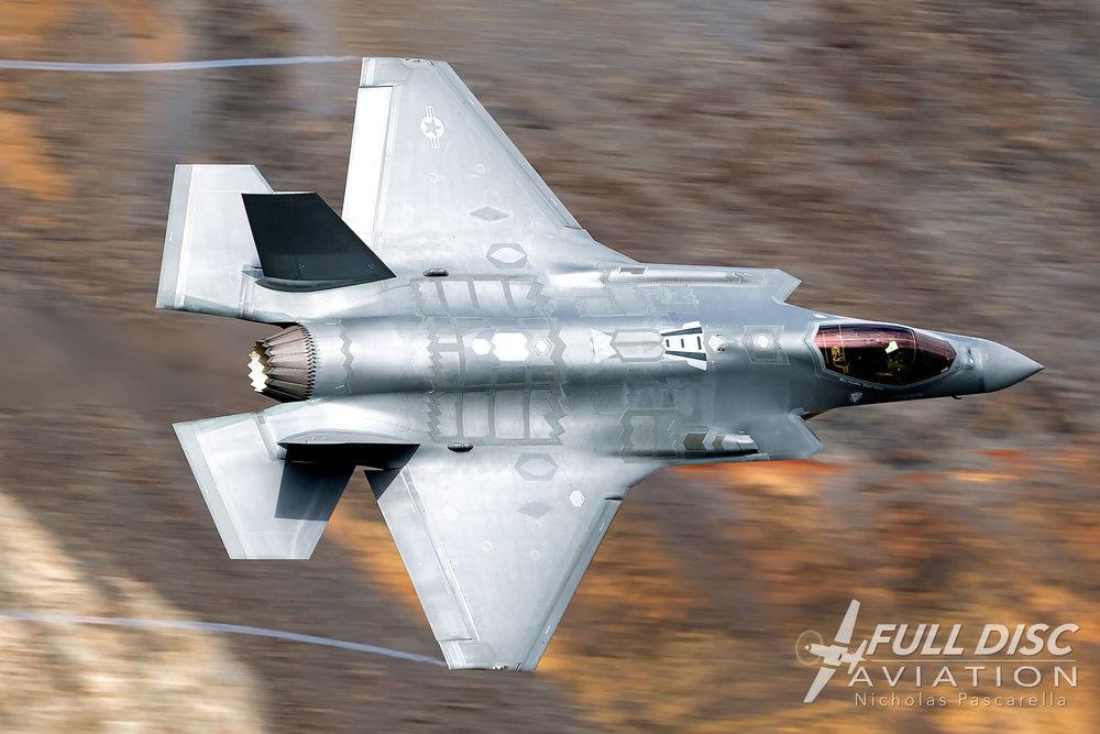 _jeditransition_rainbowcanyon_starwarscanyon_fulldiscaviation_nicholaspascarella_f35_vaportrails_fighterjet_nickpascarella.jpg