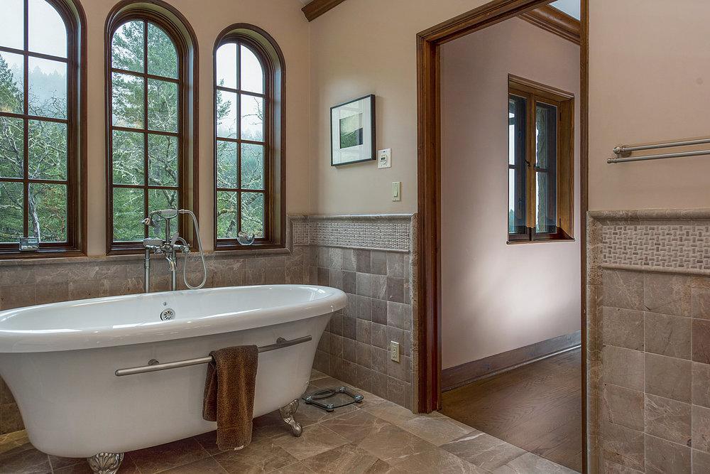 15300_Ida_Clayton_Rd_master_bathroom_2.jpg