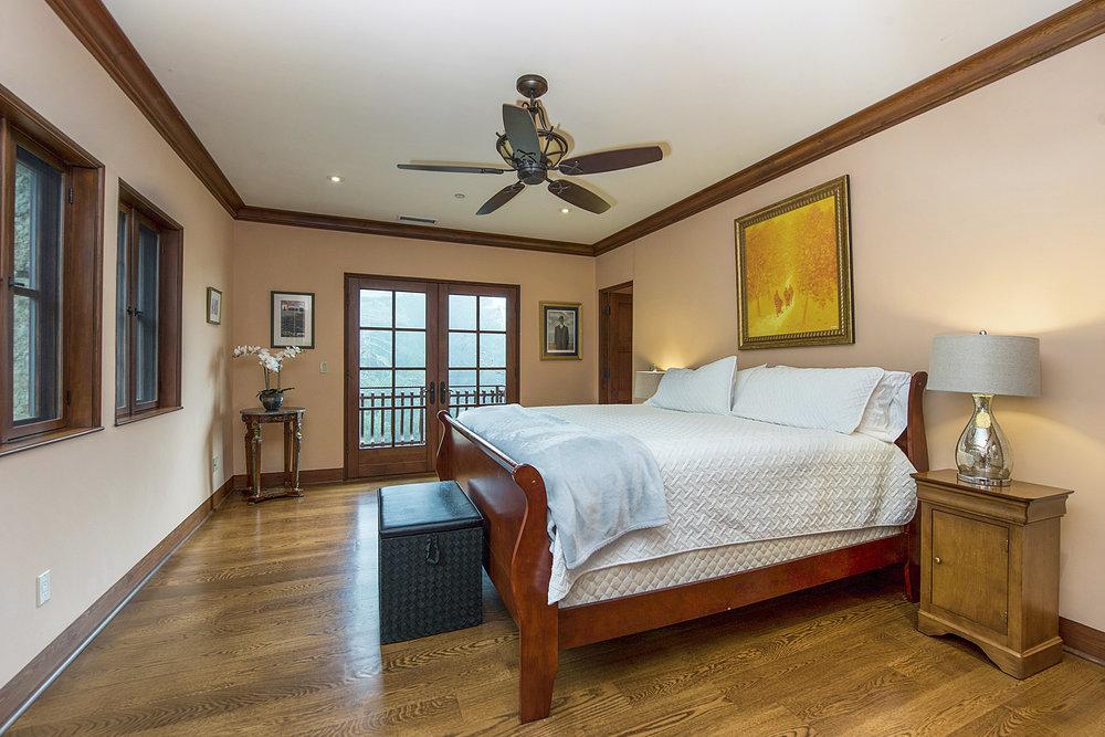 15300_Ida_Clayton_Rd_bedroom_2.jpg