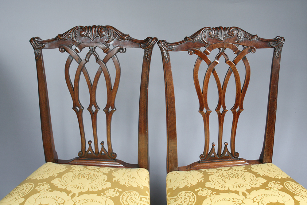 reproduced_and_original_chairs.jpg