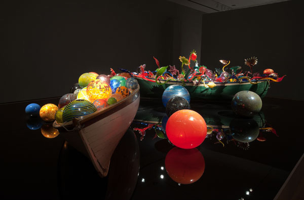 Dale Chihuly,  Float Boat,  2002, Glass and mixed media, 4 x 23 x 11 ft. Dale Chihuly,  Ikebana Boat,  2002, Glass and mixed media, 4 x 15 x 7 ft. Photo by Joseph Mills Photo courtesy of Oklahoma City Museum of Art