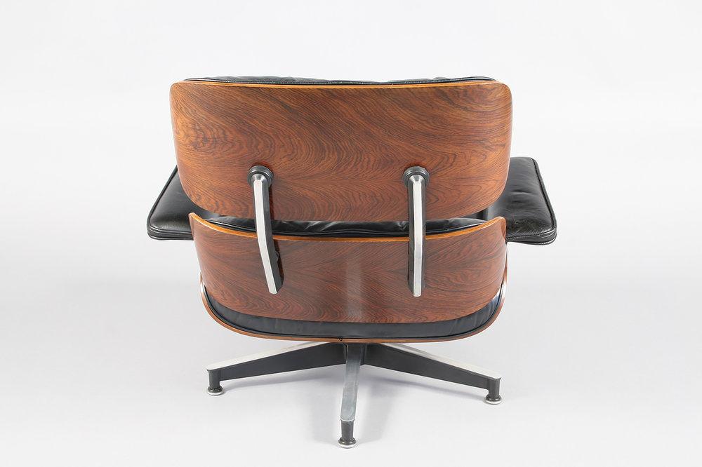 De Eames Stoel : Eames lounge chair set restoration u conservation