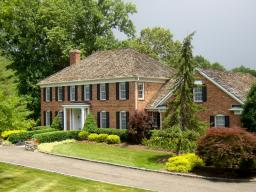 Bernardsville<br>Offered at $2,195,000