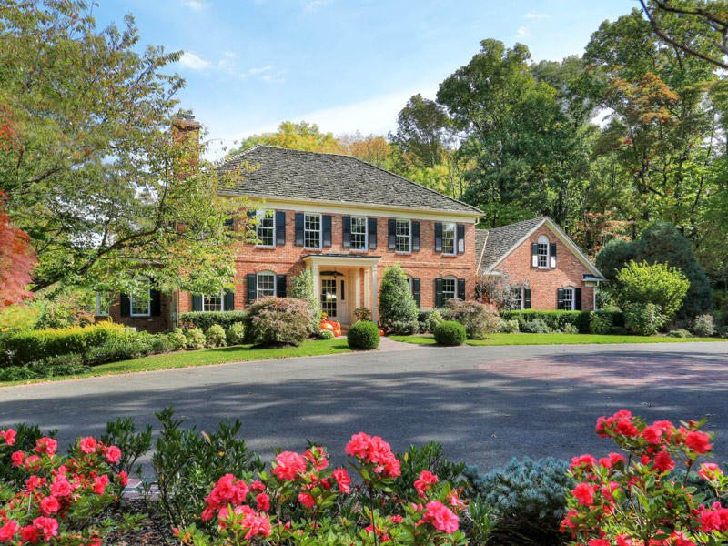 Bernardsville<br>Offered at $2,333,332