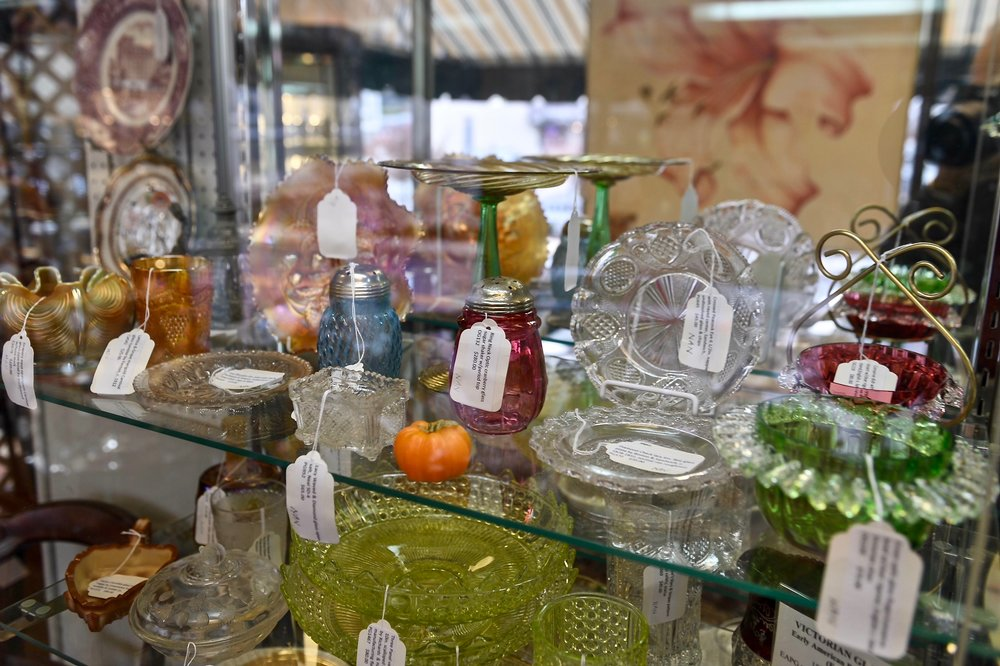 MILLER'S ANTIQUES & COLLLECTIBLES   Nancy and Ken Miller have collected antiques for over 40 years and became dealers in 1999. The Millers specialize in glassware throughout the ages, and also offer a fine selection of general antiques.