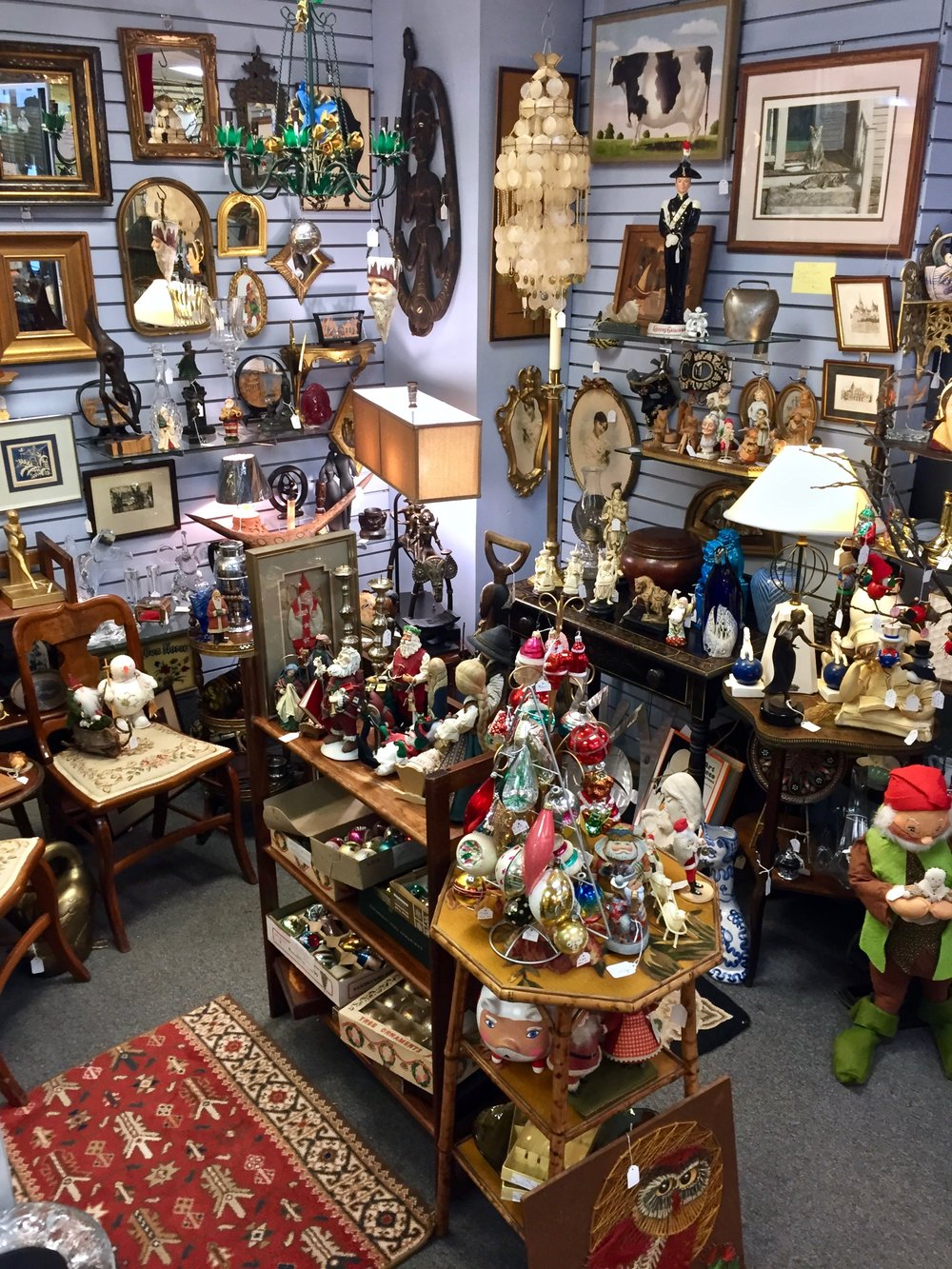 TOM & ARNOLD COLLECTIBLES & ANTIQUES   Tom Dwyer and Arnold Buchiane are both long time collectors and now enjoy sharing their finds and collections with others. Sculpture and unusual items are of special interest.