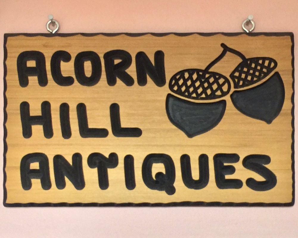 ACORN HILL ANTIQUES   Helen Shue began antiquing with her mom (also an antiques dealer) at a very young age. Helen's love of antiques has continued throughout her life, culiminating in her own business. Acorn Hill specializes in Country, glassware and the unusual.