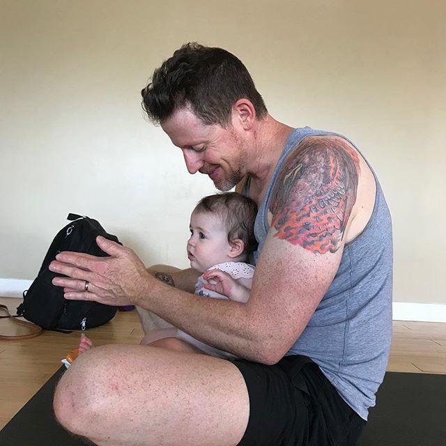Daddy, daughter Yoga time! A beautiful way to bond!! #twoheartsyoga #babyandme #babies #yogamom #yogadad #yogafamily #healthyfamily #yogalifestyle #familyyoga #teachthemyoung #shermanoaks #studiocity #nothingsweeterthanababy  #twoheartsyoga #kidsyoga #communityforparents #babiesandmomsgroup #selfcare #careforyourfamily #Shermanoaks #studiocity