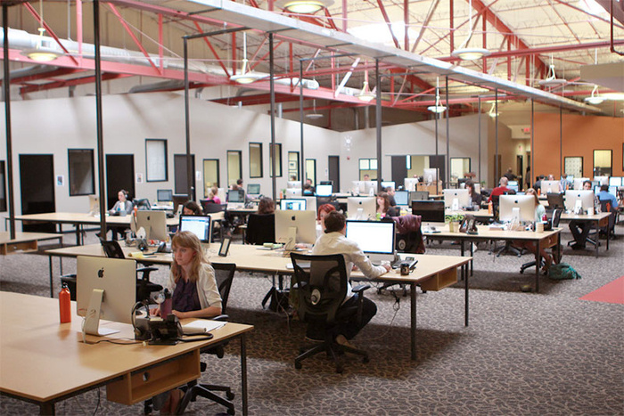 open-plan-office-promotes-opennes.jpg
