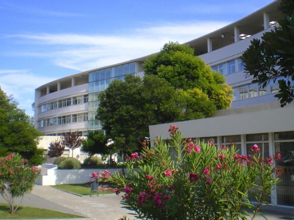 2004  - Inauguração do Edificio Egas Moniz