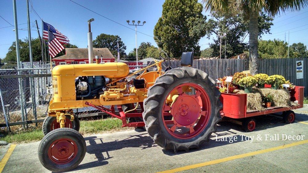 Tractor (2).jpg