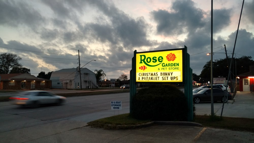 Rose Garden and Pet Street Sign.jpg