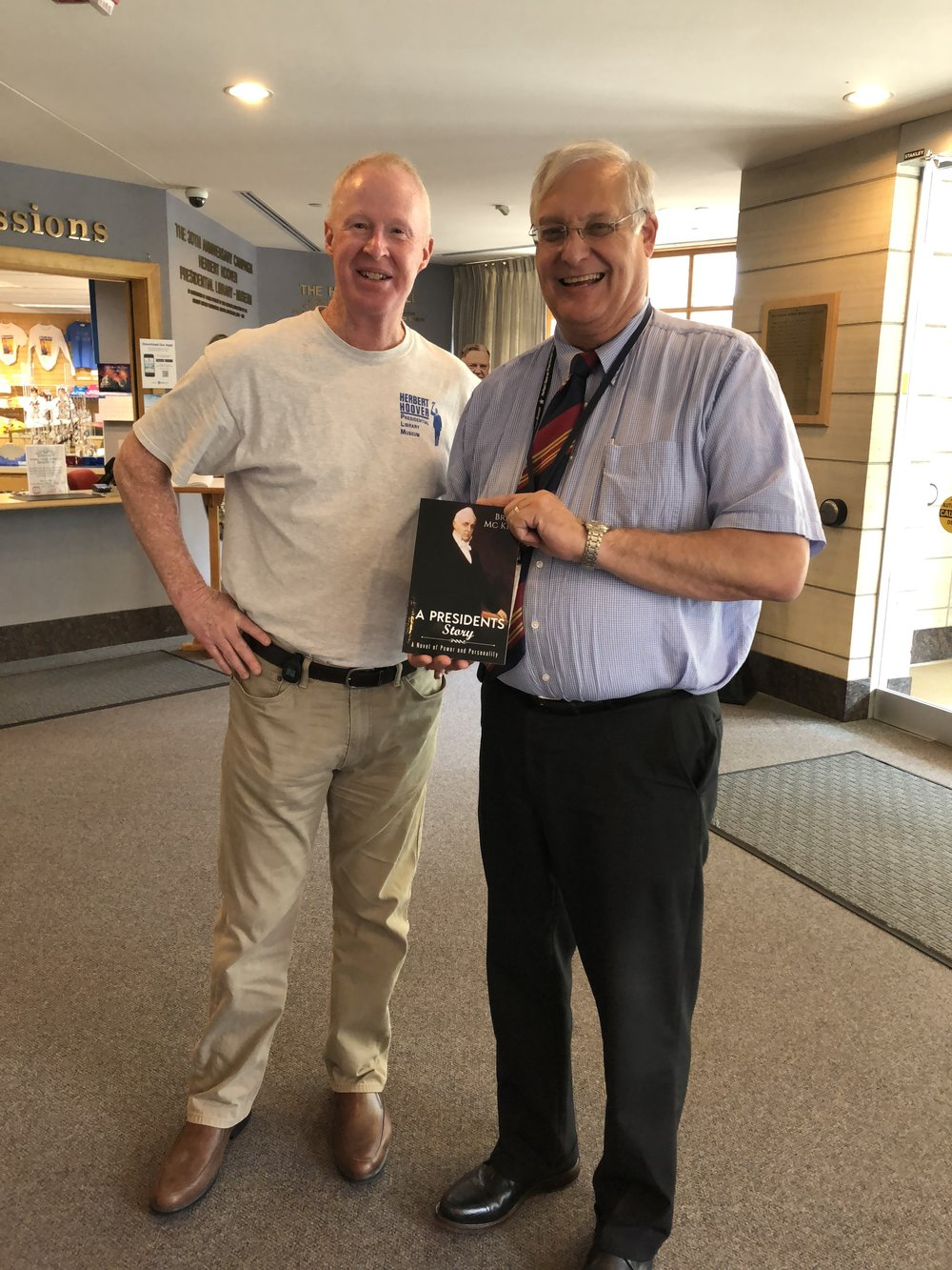 I had the privilege of doing a book signing event in the lobby of the Hoover Museum and Library. Here I am with Tom Schwartz, Director of the Museum and Library and a very nice fellow. Tom was also instrumental in putting together the Lincoln Museum and Library in Springfield which is a must see as well.
