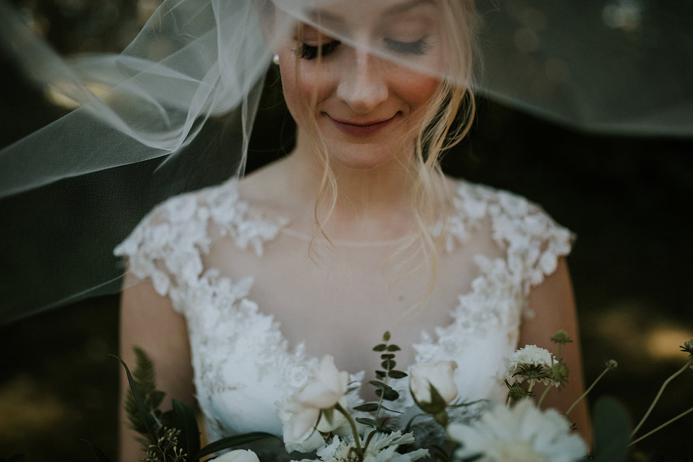 featured-artist-angela-ruscheinski-photos-by-blush-2.jpg
