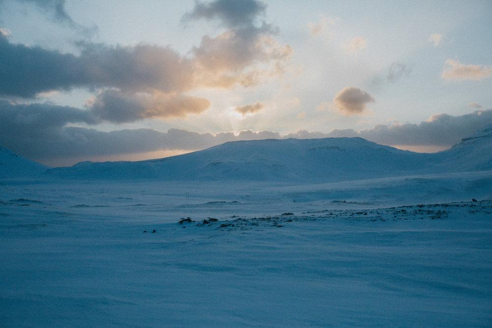 field-trip-embracing-winter-iceland-christin-eide-08.jpg