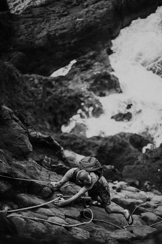 field-trip-hiking-maui-micah-emily-4.jpg
