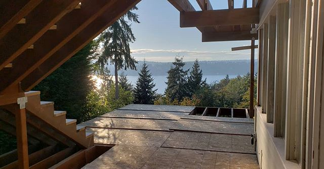Beautiful days at our Holmes Point project! Here we are framing the lower portion of a large multi-level exterior deck. . . . #remodel #deckbuild #letsbuild #cbseattle #crescentbuildseattle #kirkland #holmespoint #construction #framing #deck #lovethatview #lovetobuild #sunnywinterdays  @krugerarchitectureseattle