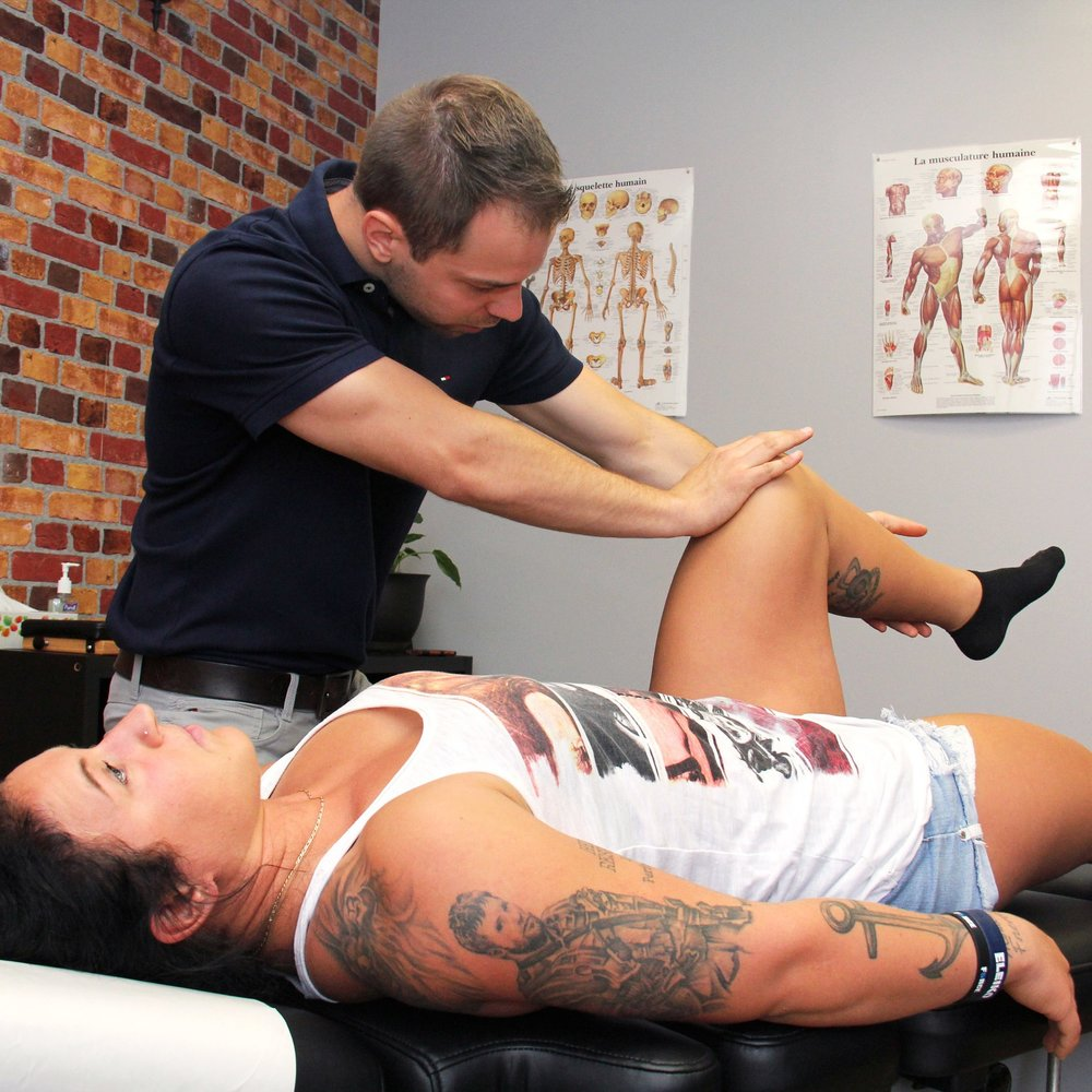 Thérapies musculaires   Certains muscles ont parfois besoin d'un coup de main pour bien fonctionner. Vos chiropraticiens connaissent plusieurs types de thérapies musculaire et trouveront celle qui convient le mieux à votre système nerveux.