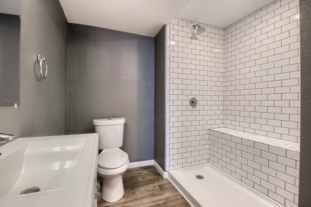 07_Bathroom_IMG_6711.JPG