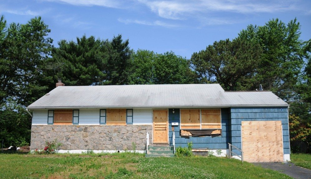 foreclosure_shutterstock_79166578.jpg