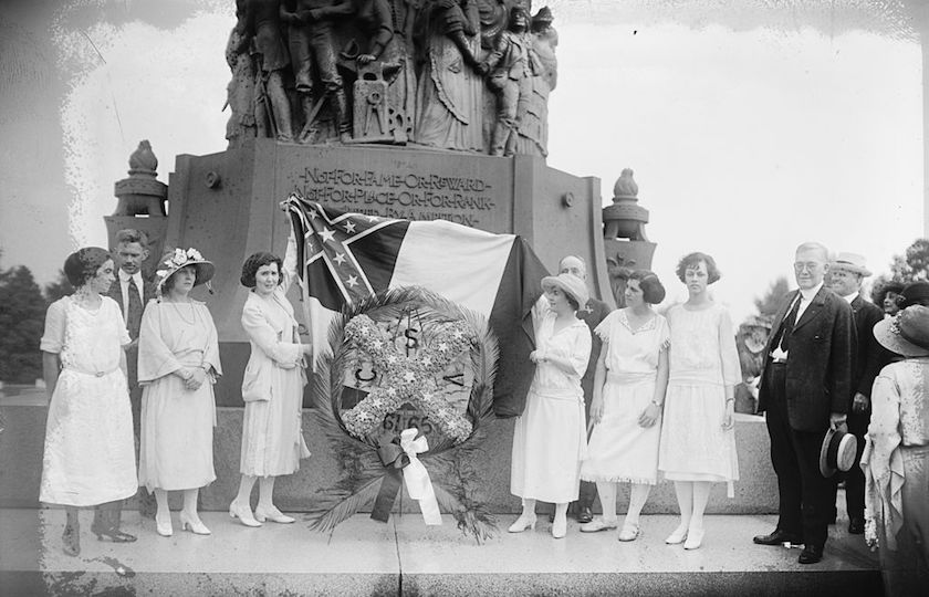 Confederate Memorial Day service in 1922. National Photo Company Collection at the Library of Congress.