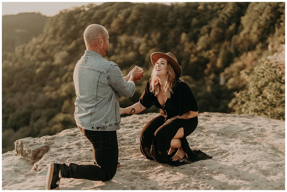 Katie Marie Photography | Hamilton Ontario Wedding Photographer | Hamilton Engagement Session | HamOnt | Dundas Peak Proposal_0044.jpg