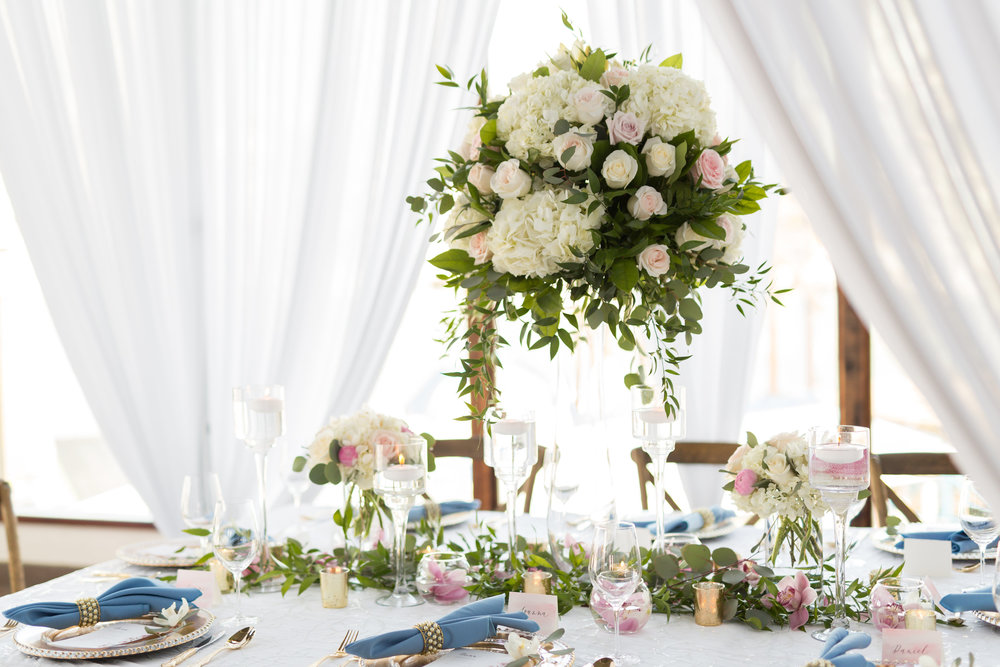 Table decor & floral arrangement