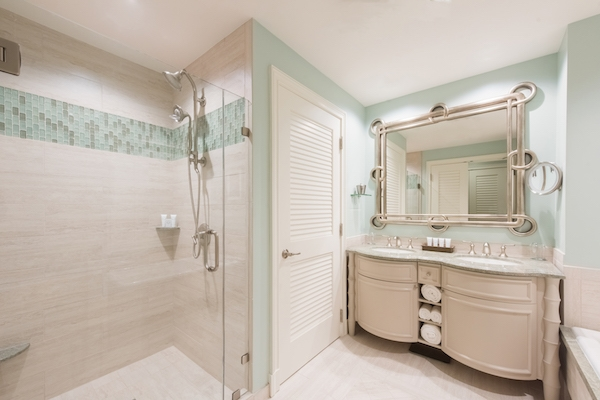Lorri-Silvera-Guestroom-Shower.jpg