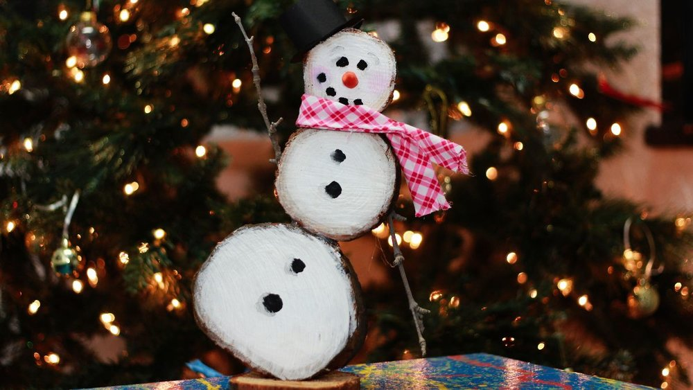 These hand-crafted hand-crafted snowmen will make perfect gifts!!