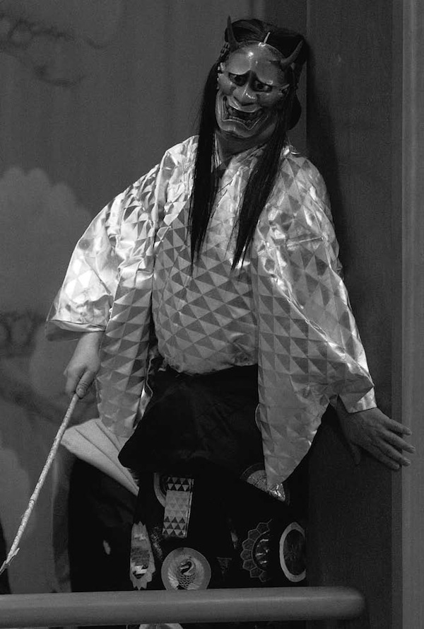 『道成寺』 シテ 粟谷明生(平成26 年3月2日 粟谷能の会) 撮影:青木信二
