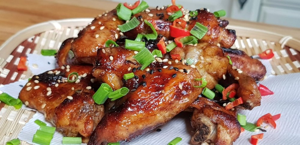 thumbnail_Chinese style sticky chicken wings.jpg