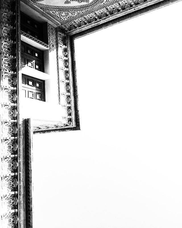 #kashan #abyaneh #iran #brandidentitydesign #branding #logodesign #logo #graphicdesign #visualart #designer #graphicdesigner #visualartist #typography #typo #typographic #photography #visualidentity #visualidentityproduction #minimal #minimalistic #bw #bwphotography #photography #digitalphotography #minimal #minimalism #art #belgium #kineticart #typeface #museum