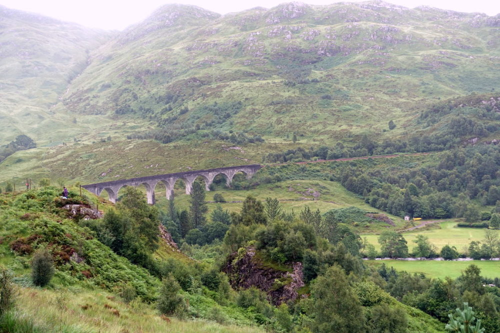 Hiking solo in Scotland while being a serious Potterhead: from Fort William to Glenfinnan through iconic viaducts, rain, and bogs. #HarryPotter #Glenfinnan #Scotland #hiking | Hiking in Scotland | Women hiking alone in Scotland | Best destinations in Europe | Harry Potter sites in Scotland | How to see Hogwarts Express | #solo