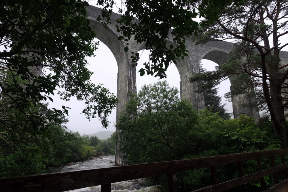 When Cape Wrath Trail fell through, my Harry Potter fangirling nature was satisfied anyway. From Fort William to Glenfinnan through iconic viaducts, rain and bogs. #HarryPotter #Glenfinnan #Scotland #hiking