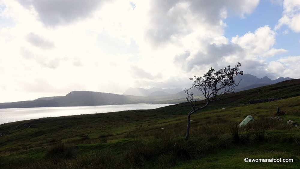 Camping on Skye: Find out where you can stop for the night along the Skye Trail: wild camping spots, camp sites, and bothies @ AWOMANAFOOT.COM | Budget accommodation on the Isle of Skye | Camping on the Isle of Skye | Wild Camping in Scotland |  #Scotland | #Skye | #hiking | #camping | #SkyeTrail | #Campsites #accommodation