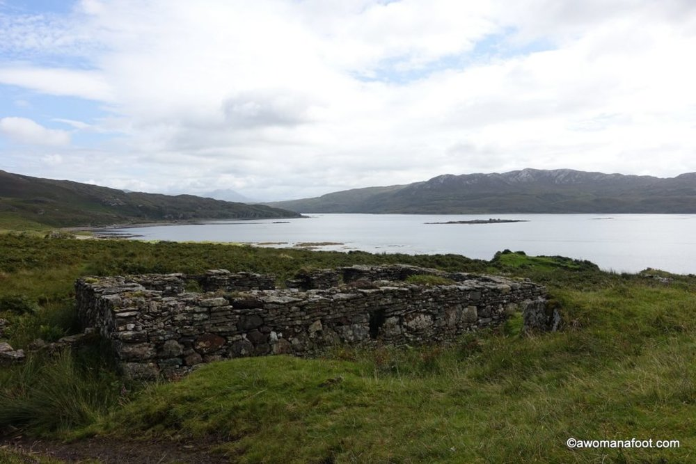 Discover the raw beauty of Isle of Skye's southern parts. From Sligachan to Broadfard on the Skye Trail - awomanafoot.com | Hiking solo in Scotland | Isle of Skye | Female solo hiker | Women hikers | Best hiking destinations in Europe | What to do on Skye | Backpacking in Scotland | #skye #Scotland #solo #hiking #Sligachan #Broadford #HikingTrails #BackpackingEurope