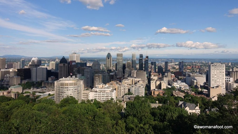 Lovely green spaces, fascinating history and jaw-dropping views: why a visit to Parc du Mont-Royal is a must! Quebec | Montréal | Canada | Cityscapes | Best city parks | City guide | Awomanafoot.com
