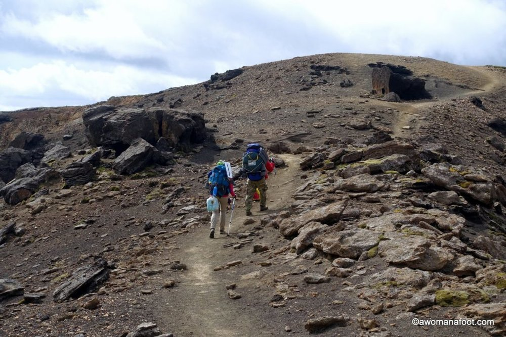What should you wear and pack hiking and camping in Iceland during summer? Click through and find your complete summer Iceland packing list! Female hiking gear | gear guide | hiking clothes | hiking gear | #Iceland #PackingList #Hiking #Camping