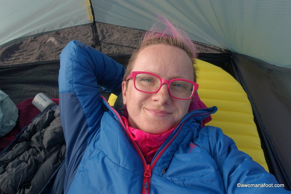 Do you want to lighten your backpacking load up a bit? Is the ultralight Therm-a-Rest NeoAir XLIte pad worth the money? Read my review to find out! awomanafoot.com | #gear #hiking #backpacking #camping #Sleepingpad #sleepingmat