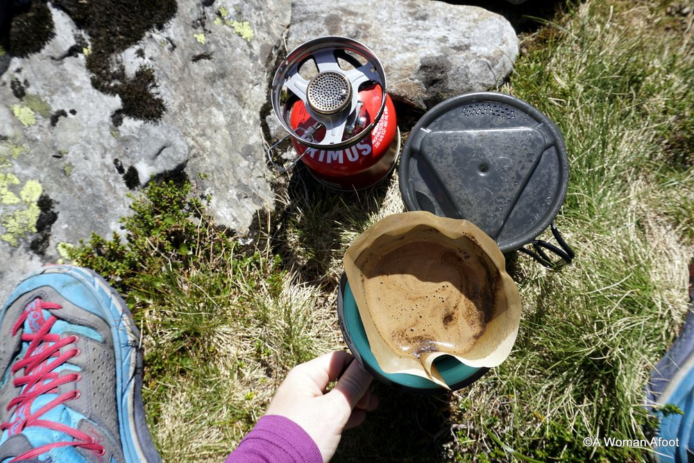 Are you in search for a perfect gift for an adventurous woman? Check this article for gift ideas for hiking & camping women! Click for awesome gifts for female hikers & campers @ awomanafoot.com! Gifts for her | Christmas gifts | Birthday gifts for women | Adventure gifts | Outdoor gifts | #gift #giftidea #hikinggifts #outdoorgifts #adventuregift #Christmas #Hiking #Gear