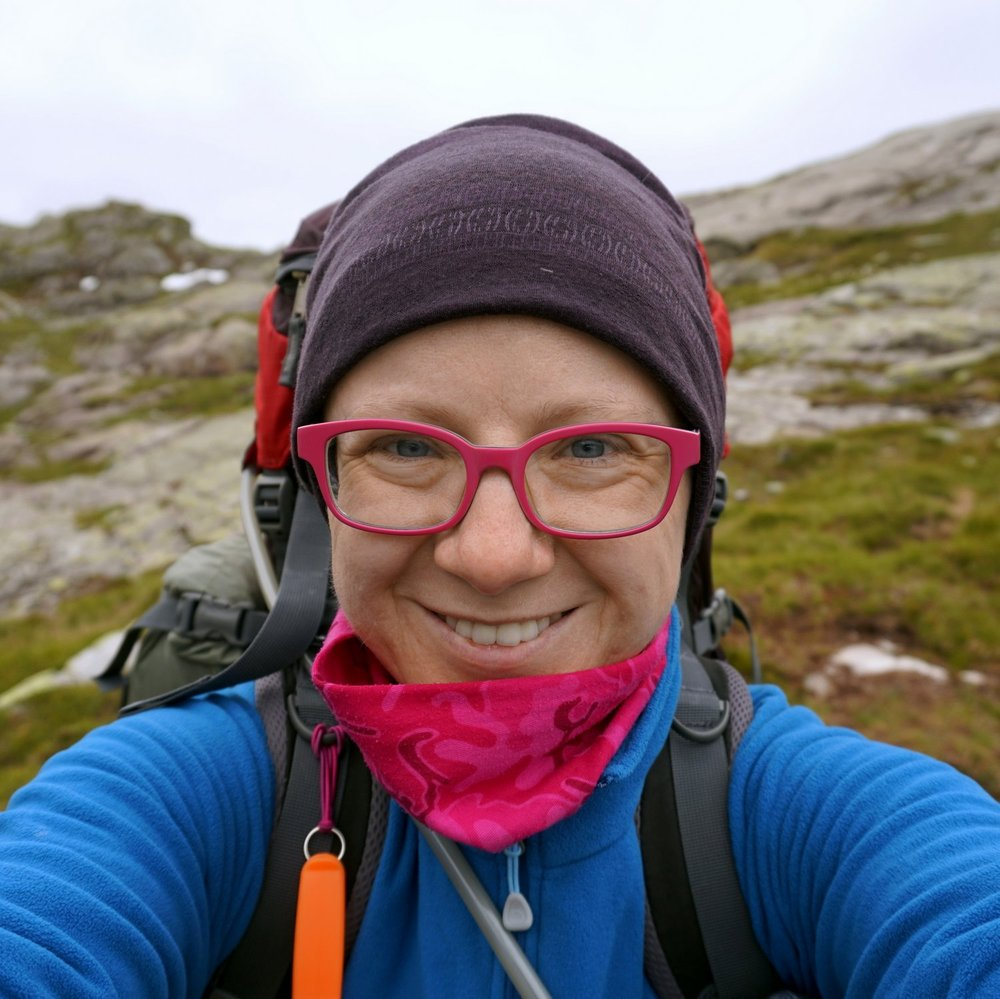 A Woman Afoot: to Inspire & to Empower | Female solo hiking | Hiking gear | Hiking Inspiration | Hiking & Camping Tips | Awomanafoot.com