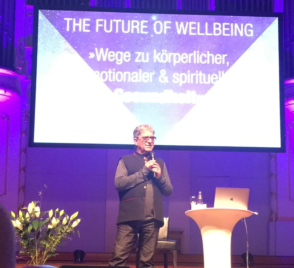 Deepak chopra am 23.04.2018 in Hamburg